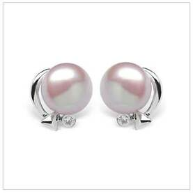 Cupid a Freshwater Pearl Earring