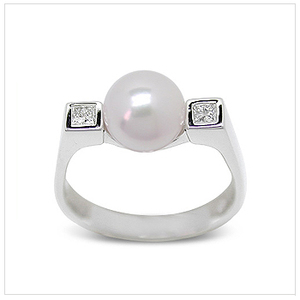 Himani a Japanese Akoya Cultured Pearl Ring