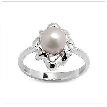 Zofia a Japanese Akoya Cultured Pearl Ring