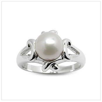 Kera a Japanese Akoya Cultured Pearl Ring