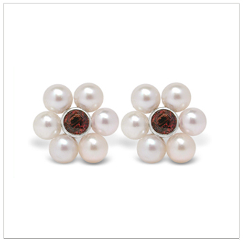 Bloom a Japanese Akoya Cultured Pearl Earring