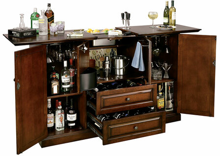 Bar Devino Wine & Bar Cabinet by Howard Miller