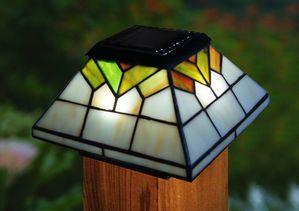 Wellington Solar Post Cap Light Tiffany Style
