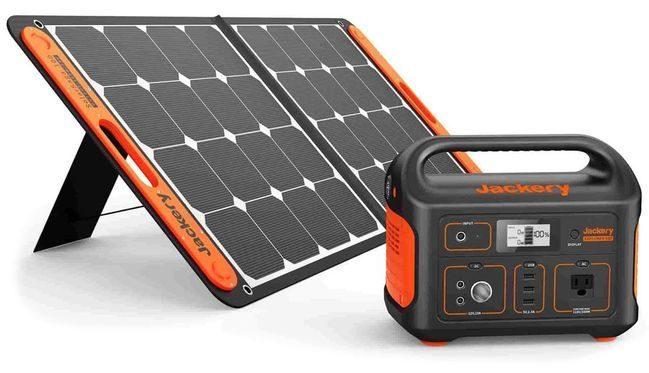 Jackery Explorer 500W Portable Solar Generator Kit