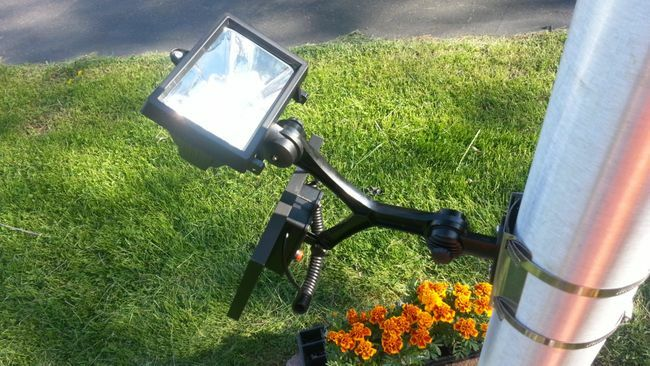 Commercial LED Solar Flagpole Light for Flagpoles 2 - 6 in Diameter - 280 LUX