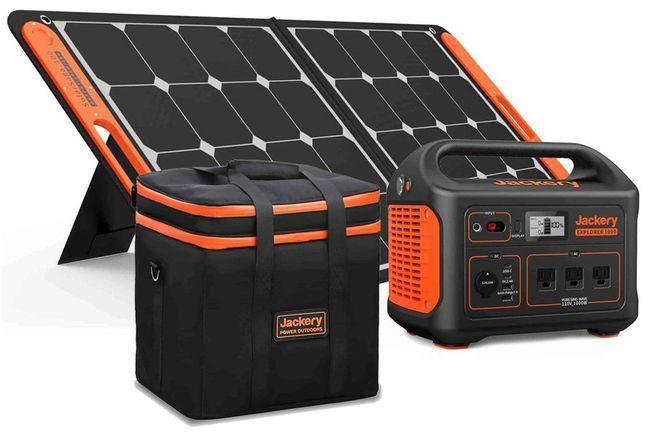 Jackery Explorer 1000 Portable Solar Generator & Carrying Case Kit