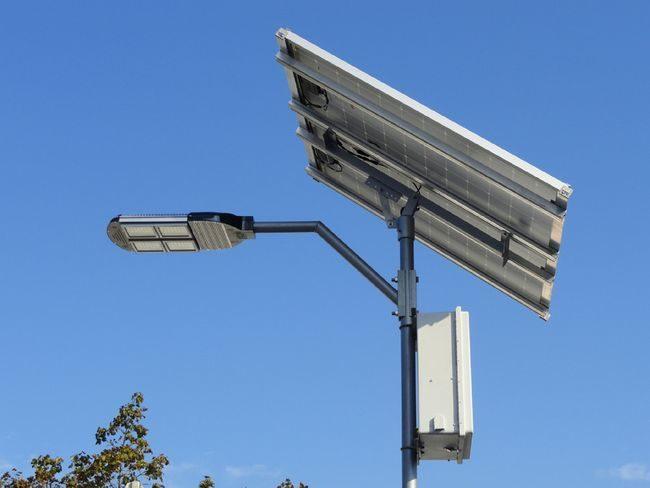30 Watt Commercial Solar Street Light Kit - 3800 Lumens