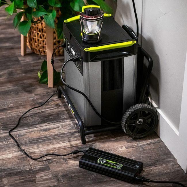 Yeti 1500X Portable Solar Generator Kit with (4) Boulder 100 Solar Panels