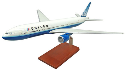 United B-777 Model Airplane - 1/100 Scale