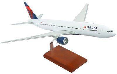 Delta B-777-200 Model Airplane