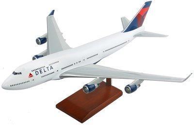 Delta B-747-400 Model