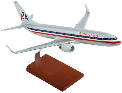 American B-737-800 Model Airplane