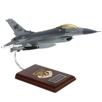 Elite F-16C Falcon Model Airplane 1/32nd Scale