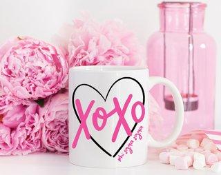 Phi Sigma Sigma XOXO Mug