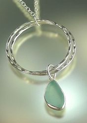 Double Curve Pendant Necklace