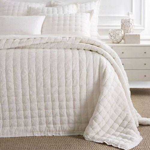 Lush Linen Ivory Puff Quilt