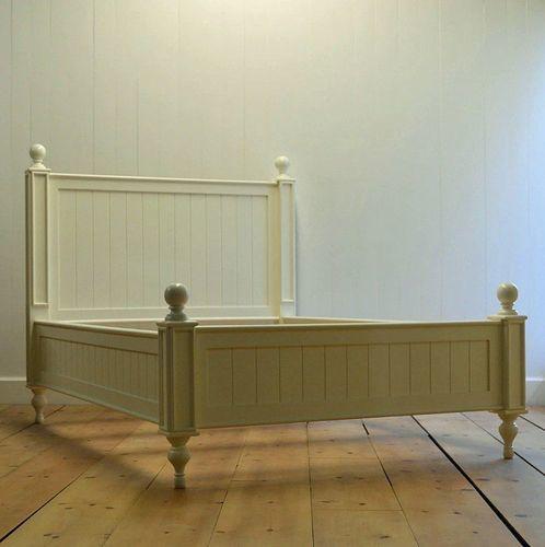 Bungalow Beadboard Bed