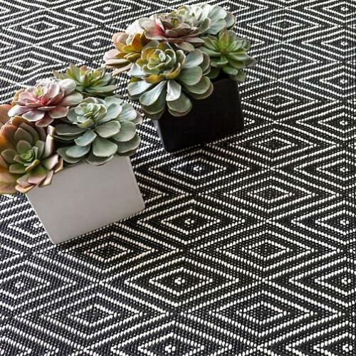 Diamond Black and Ivory Indoor/Outdoor Rug
