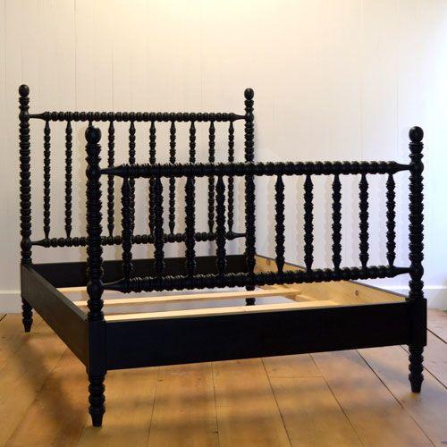 Hazel Spindle Bed