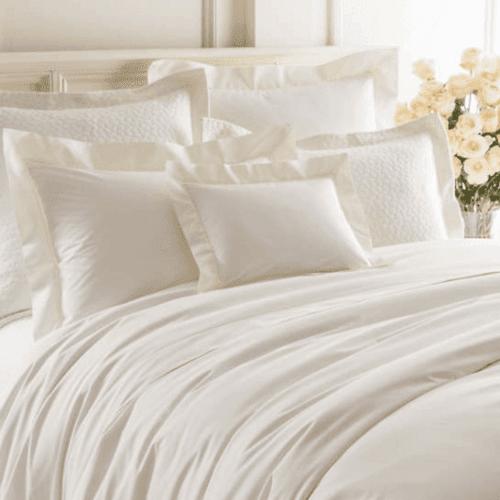 Lia Ivory Pillowsham