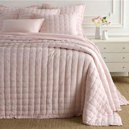 Lush Linen Slipper Pink Puff Quilt
