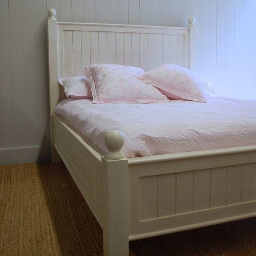 New England Beadboard Bed