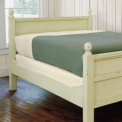 New England Cottage Bed