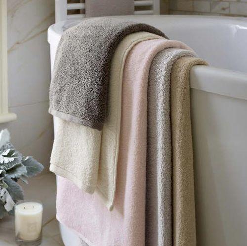 Signature Slipper Pink Bath Towels