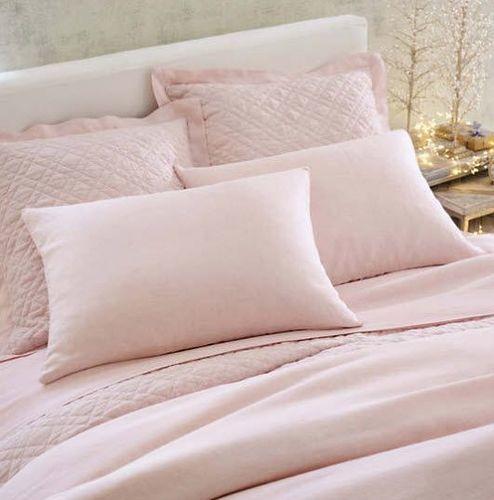 Washed Linen Slipper Pink Quilt <font color=a8bb35> NEW</font>