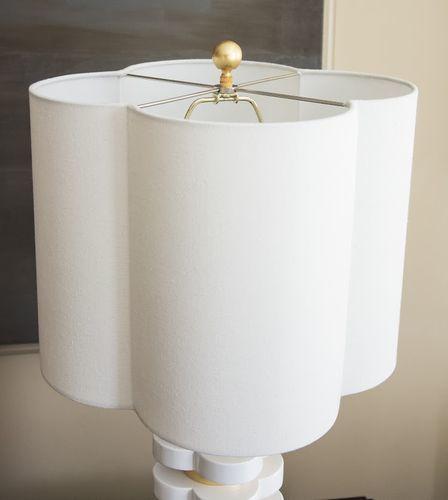 Quatrefoil Lamp in Mint