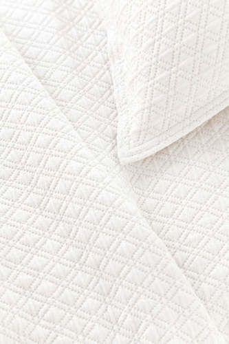 Diamond Matelasse Sham in White