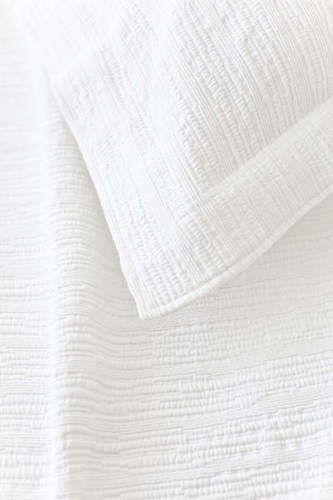Hardwood White Matelasse Coverlet
