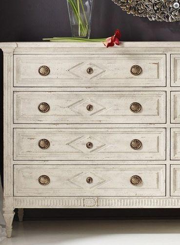 Paris Dresser