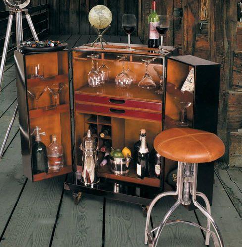 Polo Club Bar in Ivory
