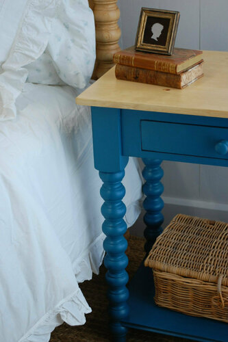 Spindle Side Table <font color=CF2317>Save up to 10%</font>