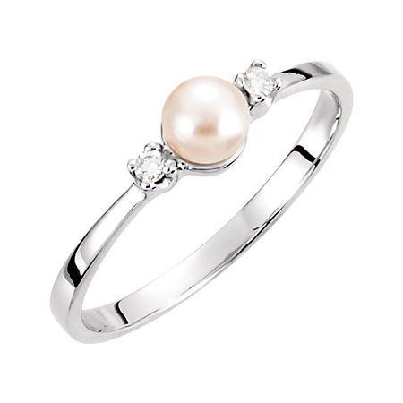 Cultured Akoya Pearl Ring in 14 Karat White Gold 4.5mm Akoya Cultured Pearl & Diamond Ring