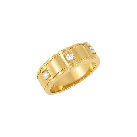 Stunning 14 Karat Yellow Gold 0.25 Carat Total Weight Diamond Men's Three-Stone Ring