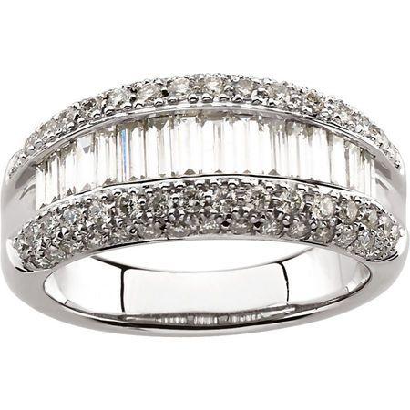 14KT White Gold 1 1/2 CTW Diamond Ring