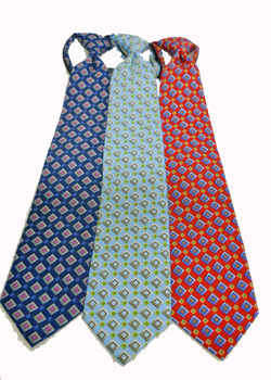 Resort Hotel Neat Boxes Zipper Tie