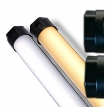 DEMO Quasar Science Switched 4ft LED Tube Daylight/Tungsten