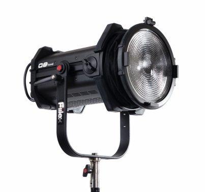 """Fiilex Q8 Travel 8"""" Fresnel LED Bicolor Light"""